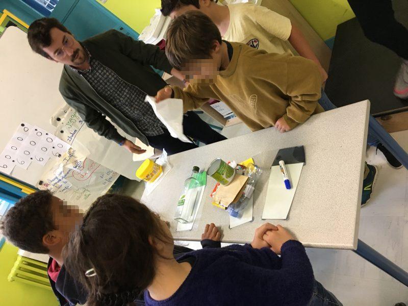 Andoni en animation scolaire à Jouy-en-Josas